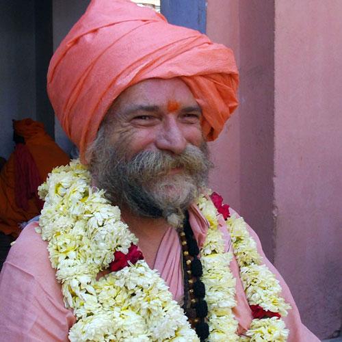 Mangalanand Puri - Goa Gil